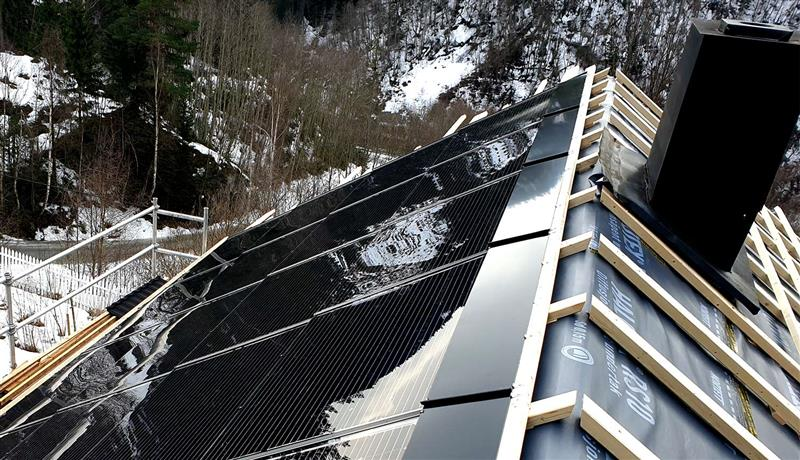 tak med integrerte solceller